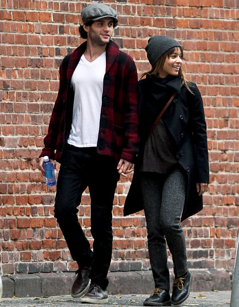 when did blake lively and penn badgley started dating